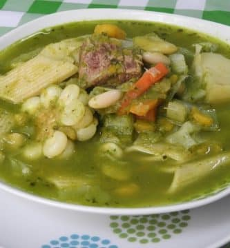 sopa de menestron peruano